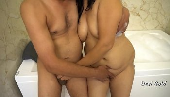 https://www.fullxxxvideos.net/video/10582/malay-girl-with-big-boobs/