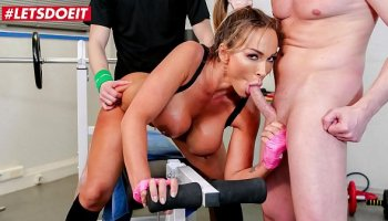 Arab girlfriend with tight pussy
