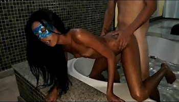 https://www.fullxxxvideos.net/video/13809/babe-pees-in-tokyo-garage/
